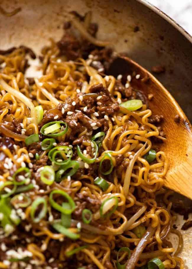 30 Healthy Ramen Noodle Recipes - Quick Asian Beef Ramen Noodles via RecipeTin Eats | https://www.roseclearfield.com