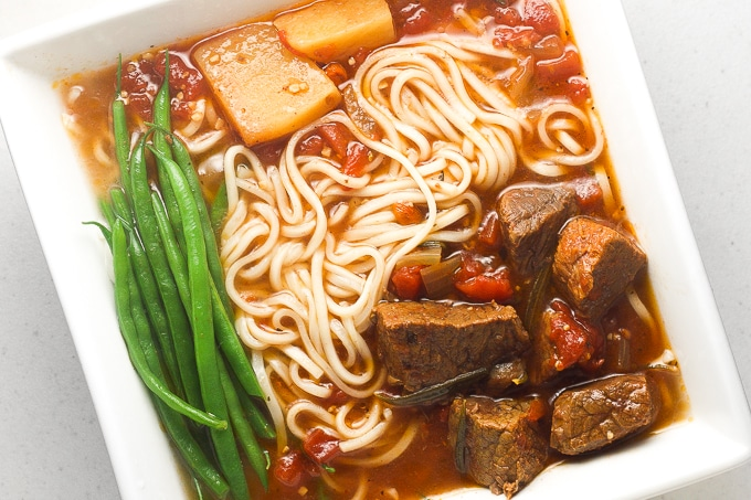 30 Healthy Ramen Noodle Recipes - Slow Cooker Beef Stew Ramen via Ahead of Thyme | https://www.roseclearfield.com