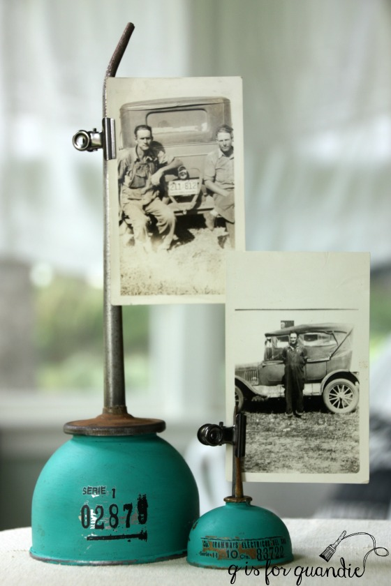 Upcycled oil can photo holder. Such a creative idea! via Q is for Quandie #upcycled #oldoilcan #vintage | https://www.roseclearfield.com