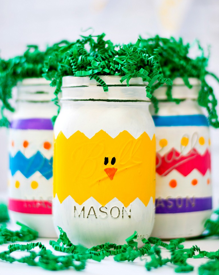 Peeps mason jars for Easter are a colorful, whimsical home decor idea, via Mason Jar Crafts Love   https://www.roseclearfield.com
