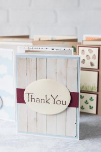 10 easy DIY thank you cards. Adds the perfect touch to notes and gifts! #DIY #thankyoucards #greetingcardinspiration