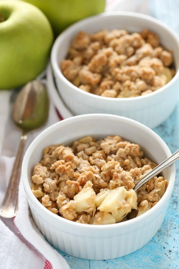 Apple crisp for two via Live Well Bake Often. Delicious apple crisp, perfectly portioned for two people! #applecrisp #dessertfortwo #dessertrecipe | https://www.roseclearfield.com