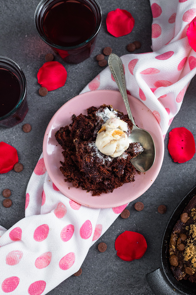 Baked chocolate pudding for two via Annie's Noms. Rich chocolate dessert, perfect for a stay-in date night or anniversary dinner! #chocolatepudding #chocolatedessert #dessertfortwo | https://www.roseclearfield.com