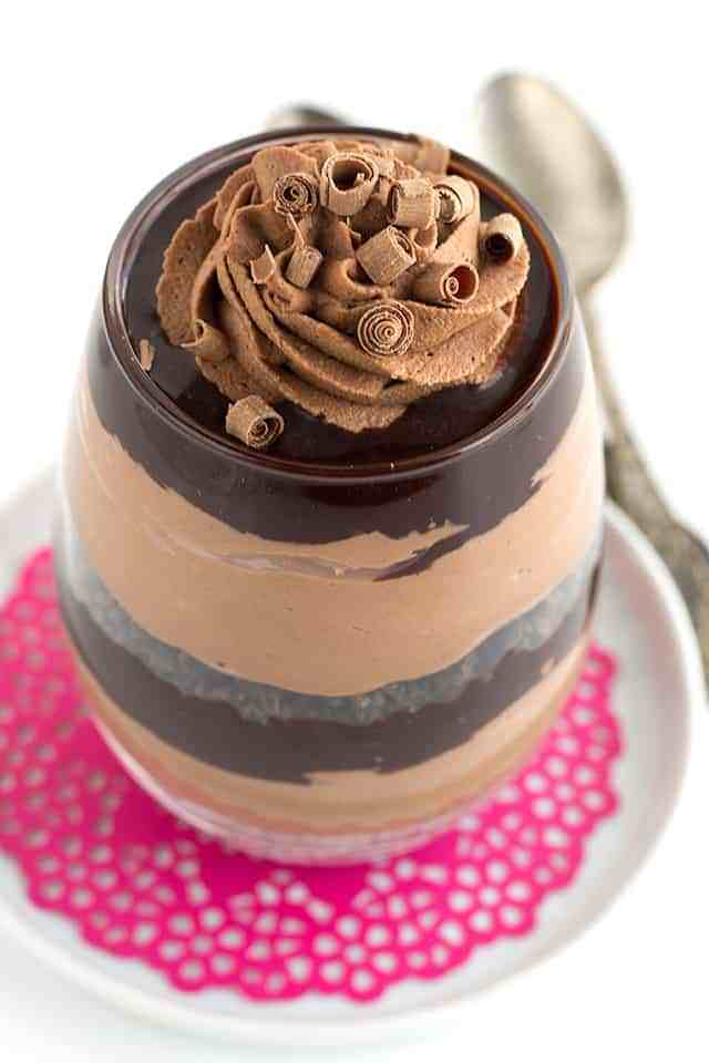 Chocolate trifles for two via Cookie Dough and Oven Mitt. Mouthwatering date night dessert that comes together quickly! #chocolatetrifles #dessertfortwo #datenight | https://www.roseclearfield.com