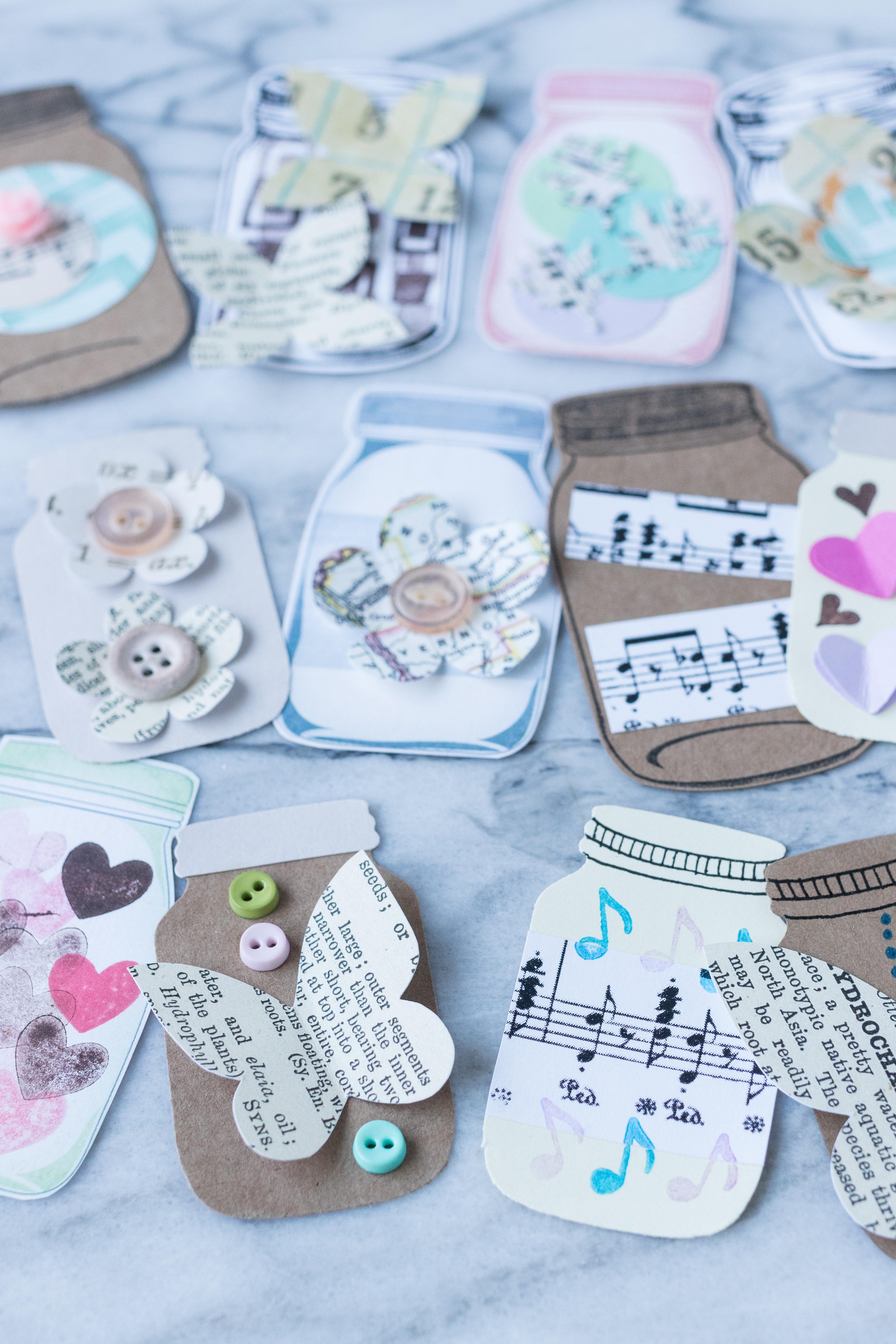 DIY mason jar scrapbook embellishments. Perfect for paper scrapbooking, greeting cards, gift tags, art journals, and much more! #DIY #masonjars #scrapbookembellishments | https://www.roseclearfield.com