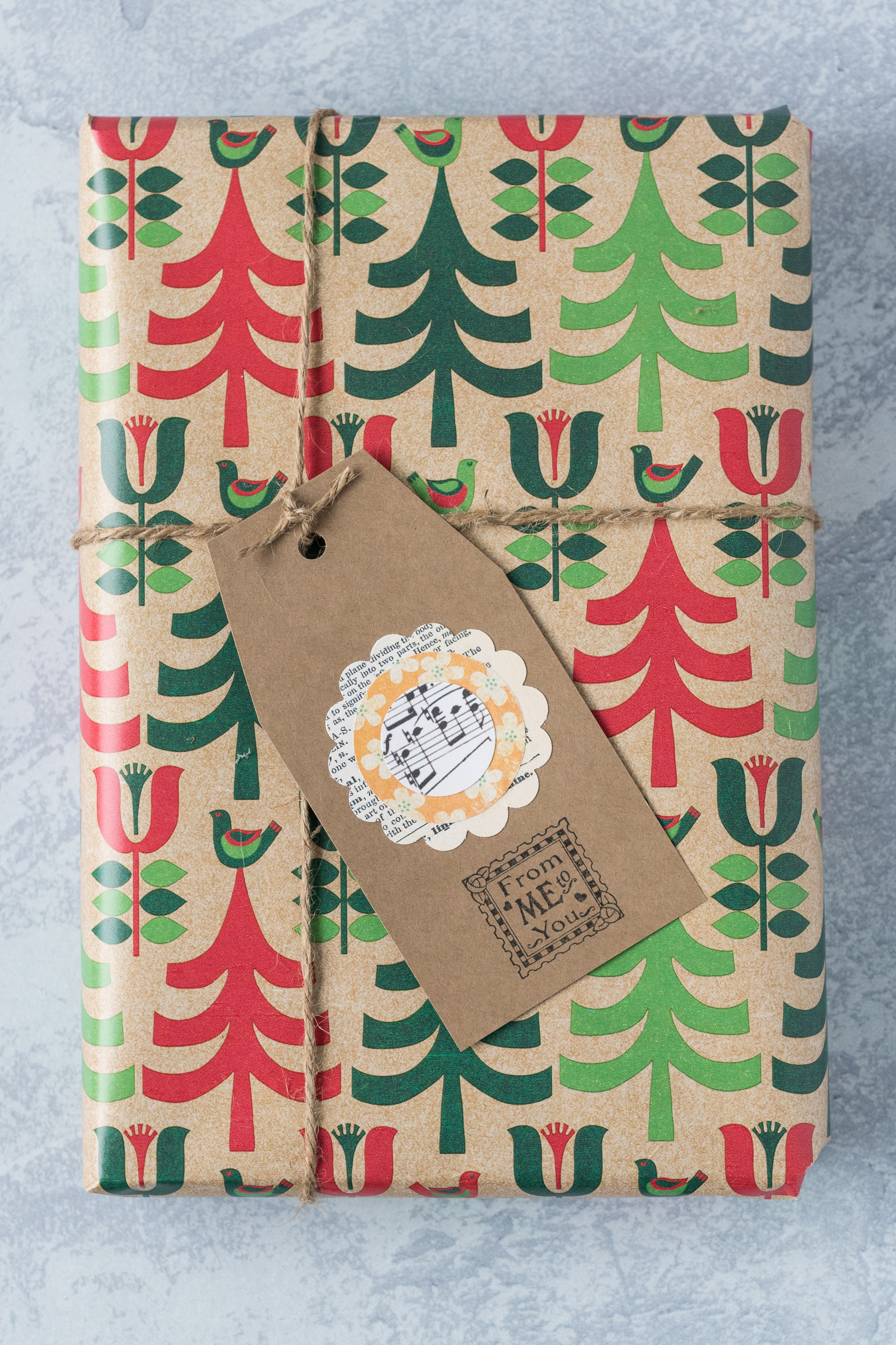 Homemade gift tag with a handmade scrapbook embellishment. #gifttag #kraftgifttag #scrapbookembellishment | https://www.roseclearfield.com