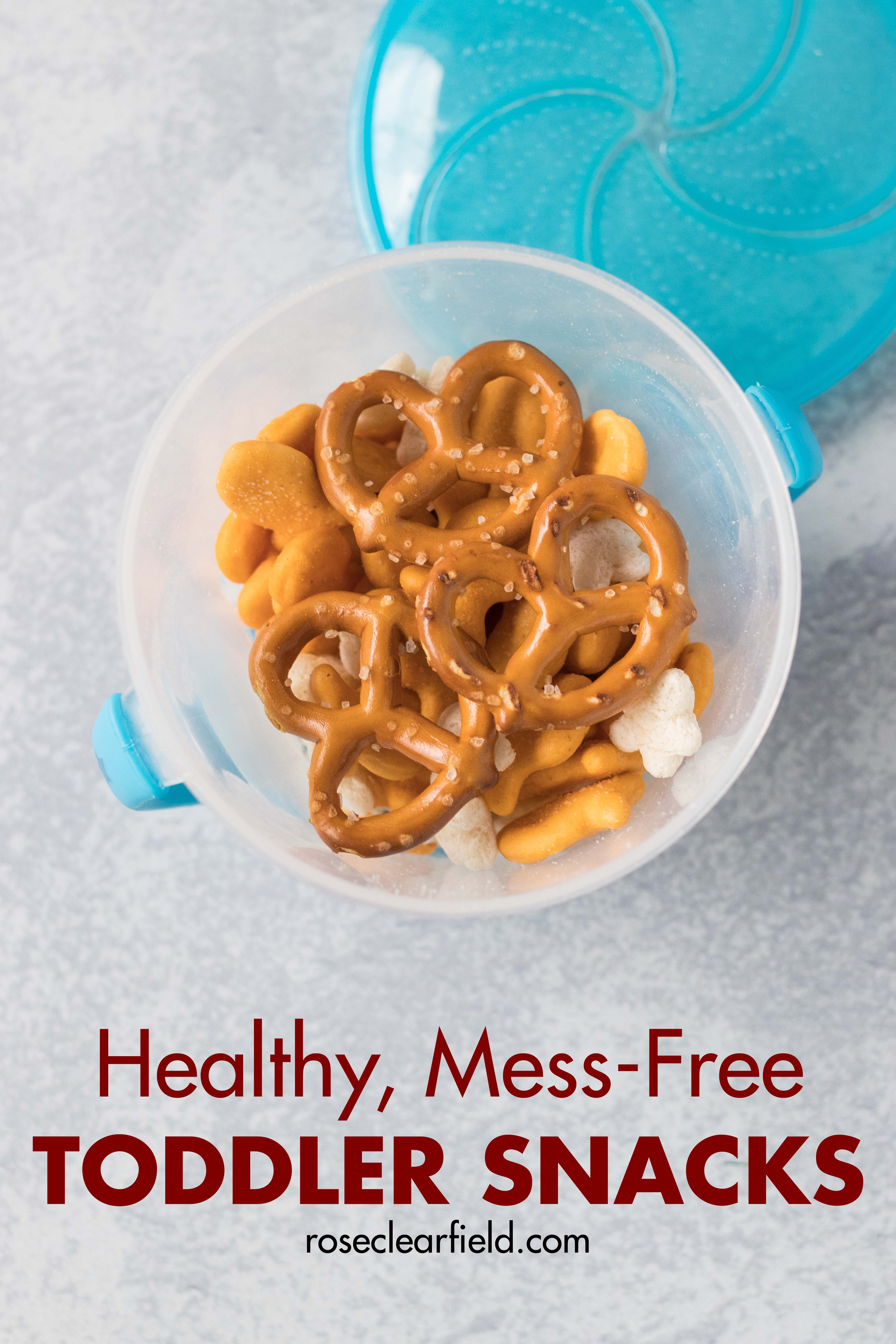 Healthy, mess-free toddler snacks. Perfect for feeding little ones at the park, in the car, at friends' houses, and anywhere on the go! #toddlersnacks #toddlerlife #healthysnackideas | https://www.roseclearfield.com