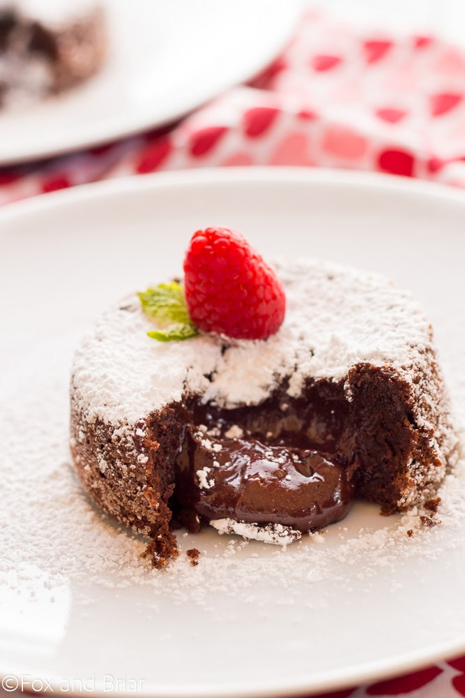 Molten chocolate lava cakes for two via Fox and Briar. Perfect Valentine's Day or date night treat! #moltenchocolatelava #chocolatecake #dessertfortwo | https://www.roseclearfield.com