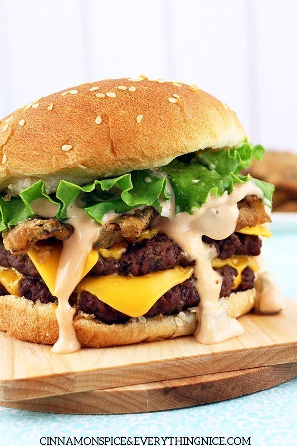 Fried pickle double cheeseburgers with Big Mac sauce via Cinnamon Spice and Everything Nice. Better than fast food! #doublecheeseburger #BigMacsauce #grilling   https://www.roseclearfield.com