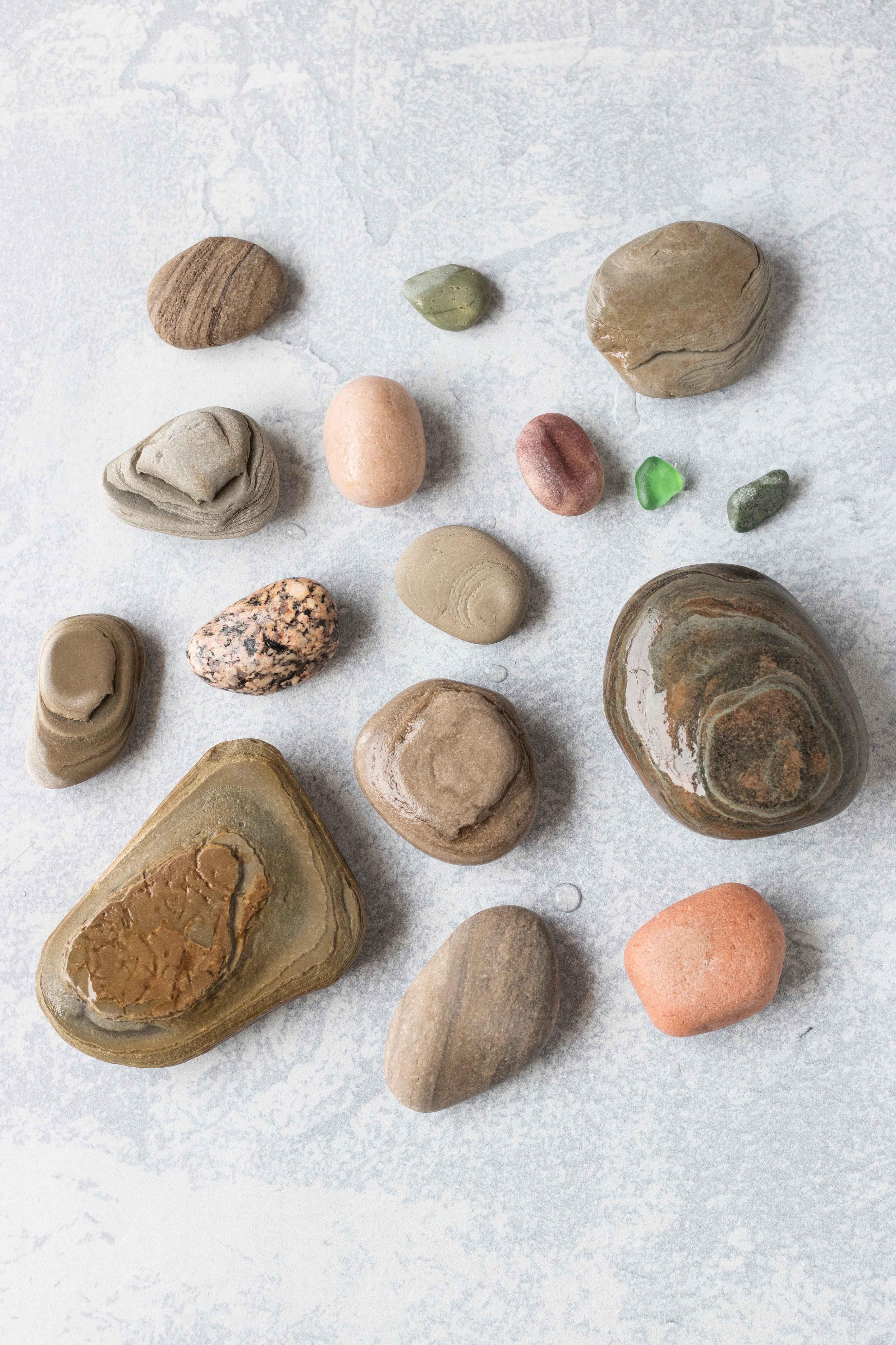 Rock Flat Lay #rocks #beachcombing #summer | https://www.roseclearfield.com
