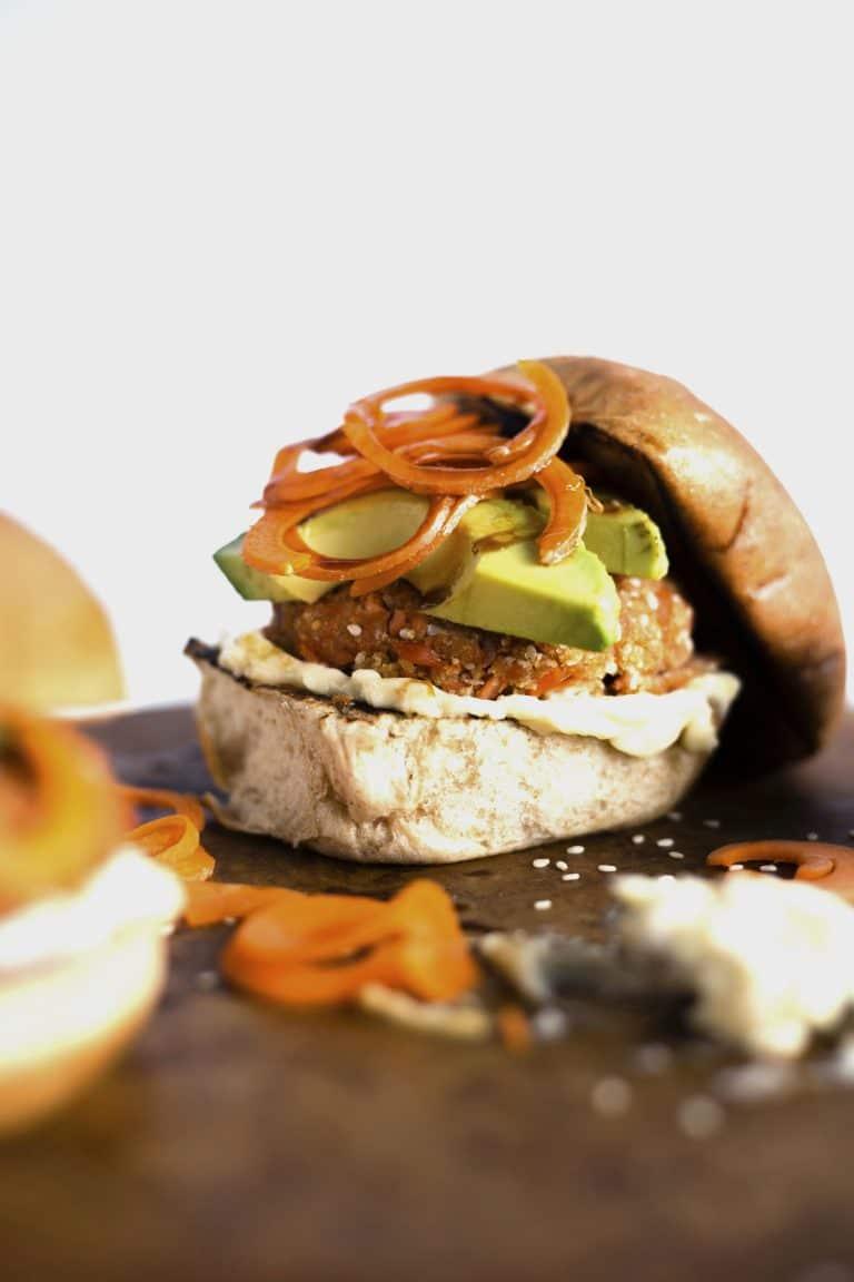 Sesame salmon burgers via The Almond Eater. Amazing flavor combination! #sesame #salmonburgers #grillingrecipe   https://www.roseclearfield.com