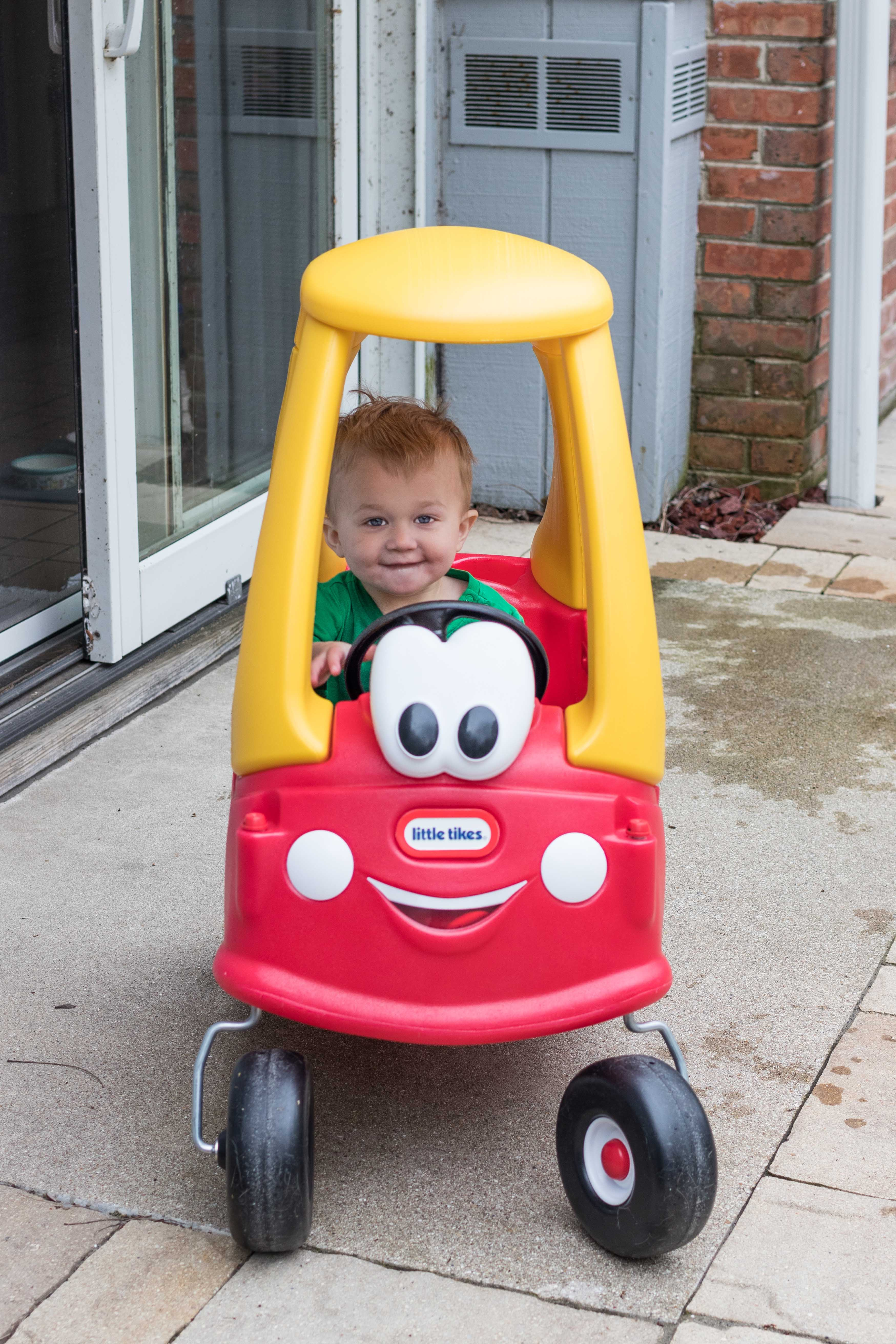The classic Cozy Coupe is an awesome indoor or outdoor toy for high energy little ones to stay active and develop their gross motor and social skills! #CozyCoupe #besttoddlertoys #outdoortoys #toysforactivetoddlers | https://www.roseclearfield.com