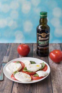 The best caprese recipes. Caprese salads, appetizers, pizza, sandwiches, chicken, and more! #caprese #capresesalad #capreserecipes