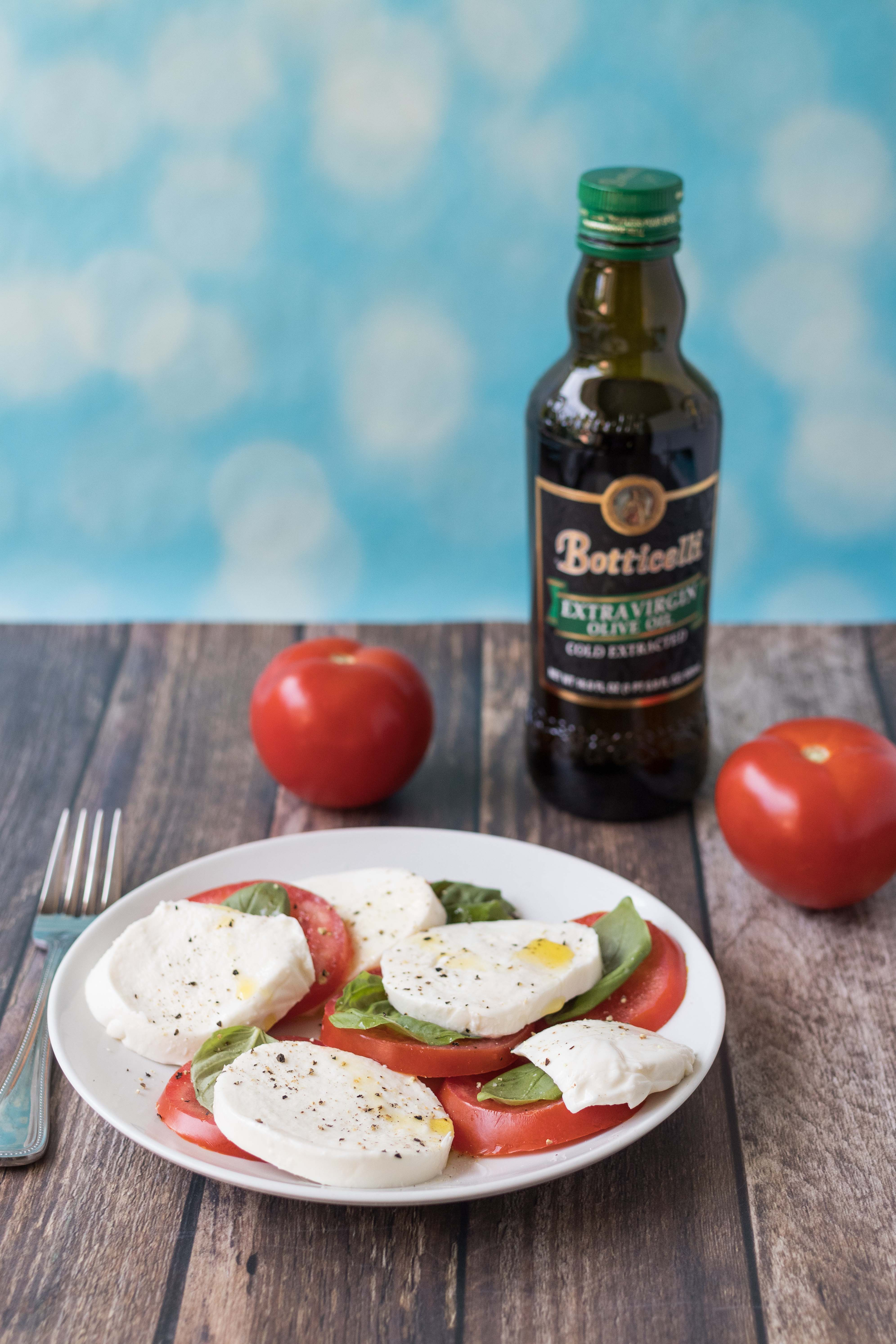 The best caprese recipes. Caprese salads, appetizers, pizza, sandwiches, chicken, and more! #caprese #capresesalad #capreserecipes | https://www.roseclearfield.com