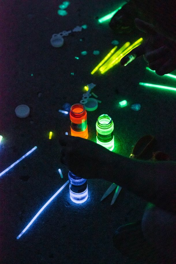 Easy Glow In The Dark Bubbles Kid Activities Blog