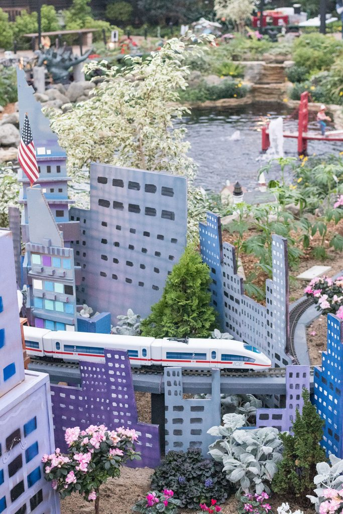 Attack of the Giant Monsters Domes Train Show