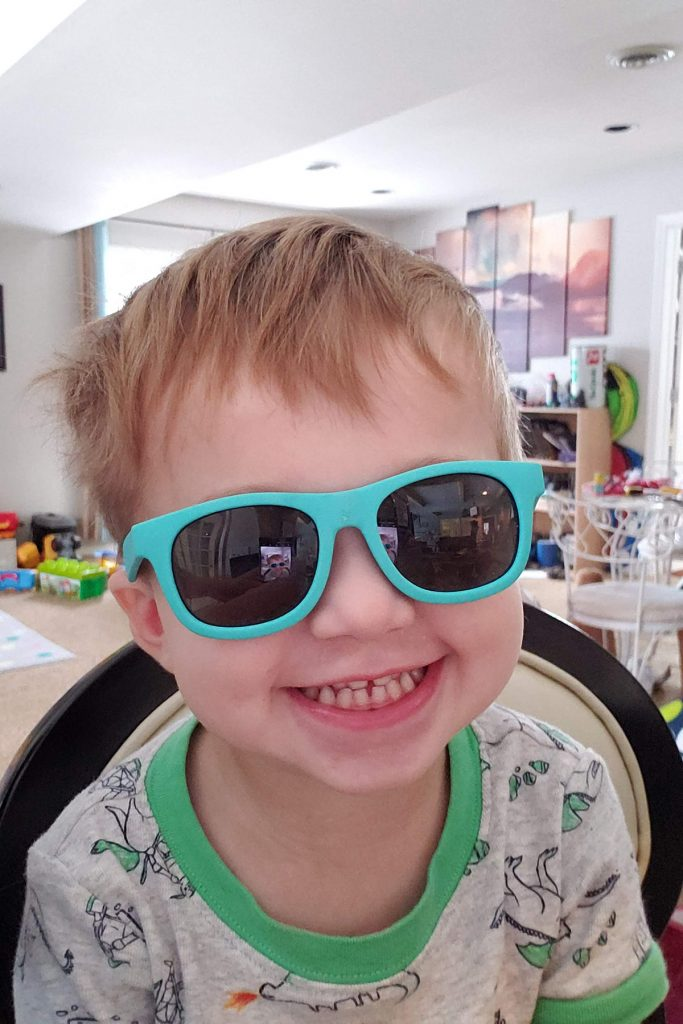 Tommy Sunglasses Selfie