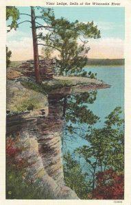Vintage Postcard Wisconsin Dells Visor Ledge