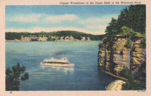 Vintage Postcard Wisconsin Dells Clipper Winnebago in the Upper Dells
