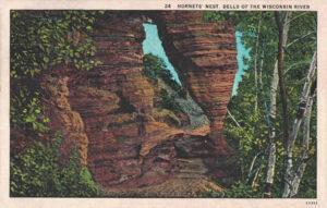 Vintage Postcard Wisconsin Dells Hornets' Nest