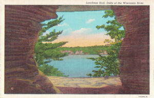 Vintage Postcard Wisconsin Dells Luncheon Hall