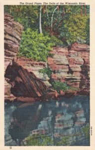 Vintage Postcard Wisconsin Dells The Grand Piano