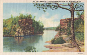 Vintage Postcard Wisconsin Dells The Jaws Entrance to the Upper Dells