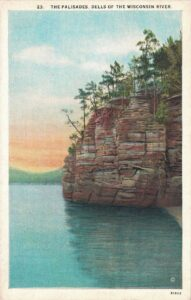 Vintage Postcard Wisconsin Dells The Palisades