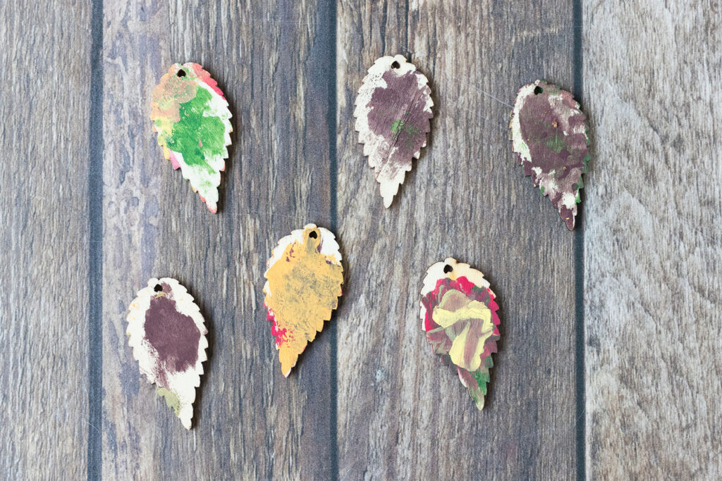 DIY Wooden Leaf Fall Ornaments