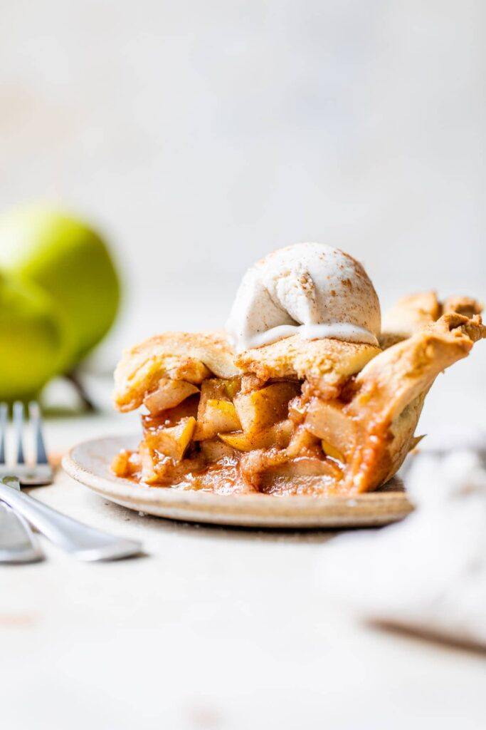 Chai Spice Pear Pie The Almond Eater
